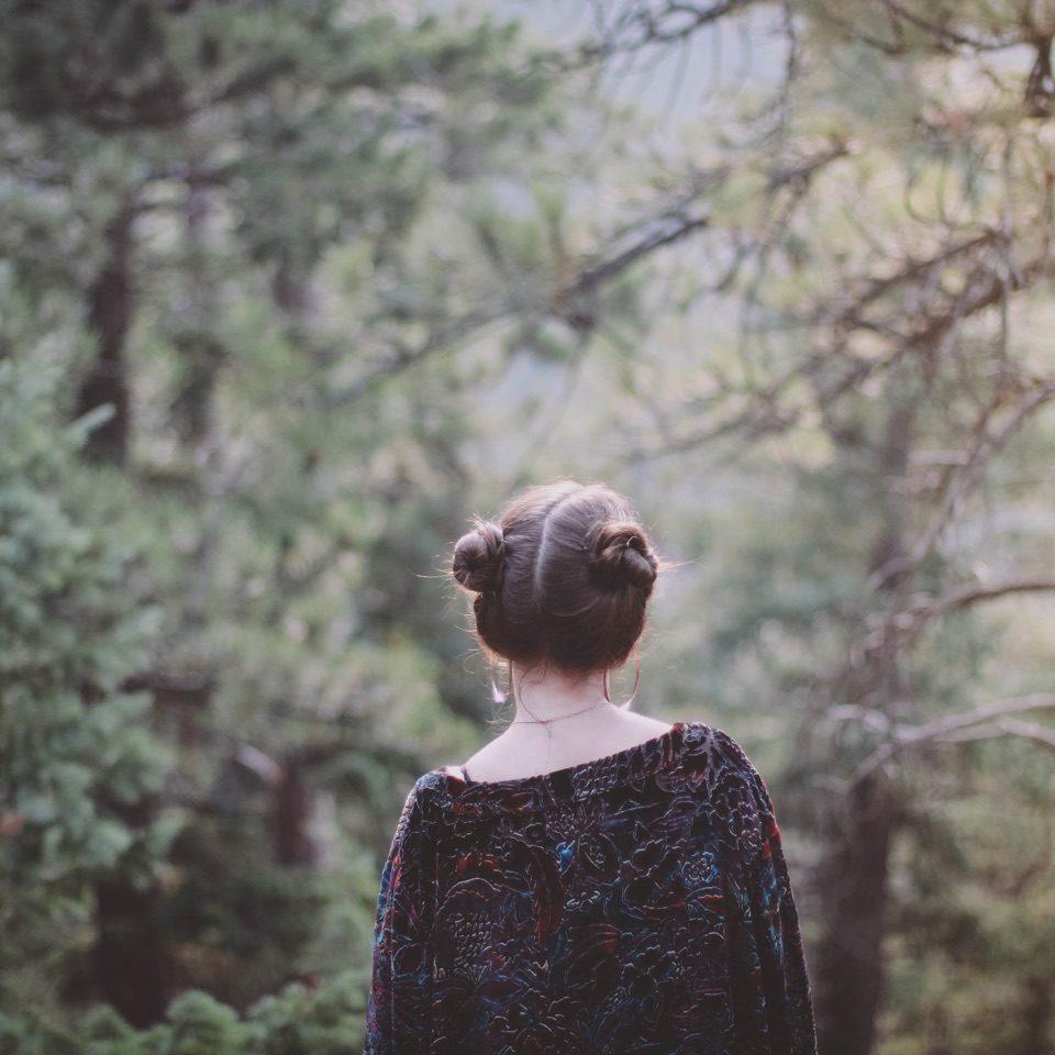 BG_women_in_the_woods (1)
